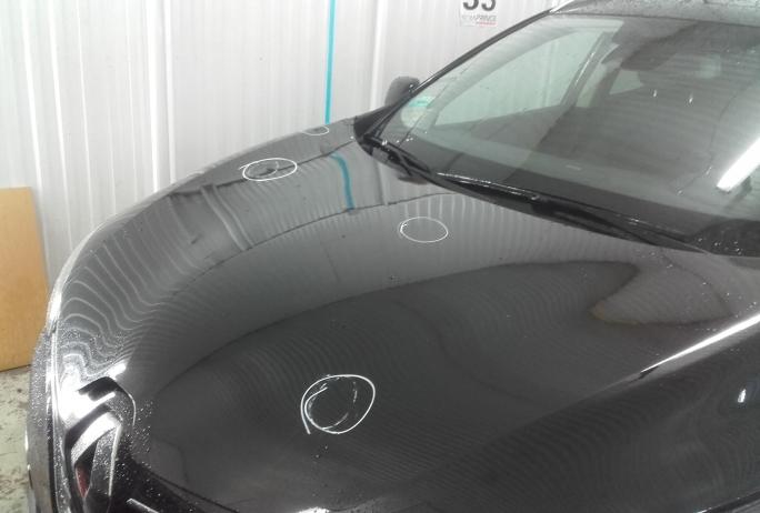 Renault maska po delikatnym gradzie Bezlakierowo.pl - bzlakierowe usuwanie wgniecen w karoserii samochodowej